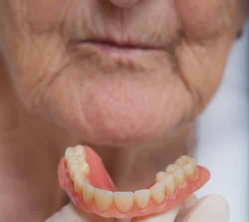 پیر شدن چهره بعد از کشیدن دندان